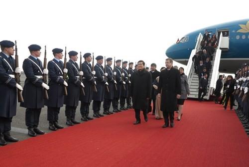 Máy bay chiến đấu hộ tống đoàn Chủ tịch nước Trương Tấn Sang thăm Đức ảnh 8