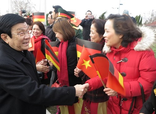 Máy bay chiến đấu hộ tống đoàn Chủ tịch nước Trương Tấn Sang thăm Đức ảnh 10