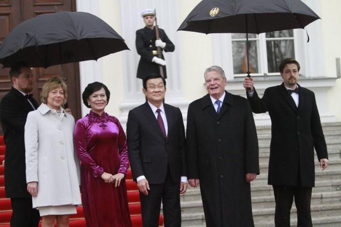 Lãnh đạo Việt – Đức lo ngại việc tôn tạo bãi đá ở biển Đông ảnh 1