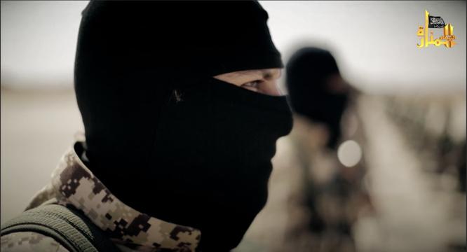 Rùng rợn cảnh phiến quân al Qaeda hành quyết binh sĩ Syria ảnh 2