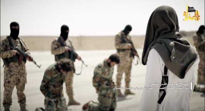 Rùng rợn cảnh phiến quân al Qaeda hành quyết binh sĩ Syria ảnh 3