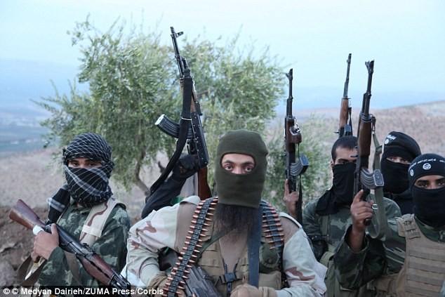 IS tuyên bố giết thủ lĩnh Taliban, bắt đầu lấn chiếm Afghanistan ảnh 15