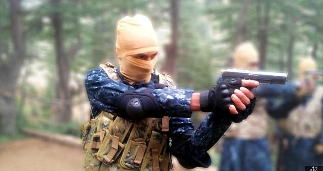 IS tuyên bố giết thủ lĩnh Taliban, bắt đầu lấn chiếm Afghanistan ảnh 2