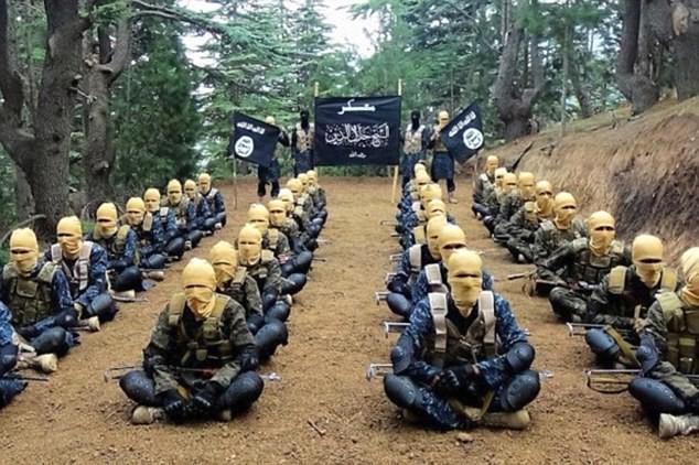IS tuyên bố giết thủ lĩnh Taliban, bắt đầu lấn chiếm Afghanistan ảnh 1