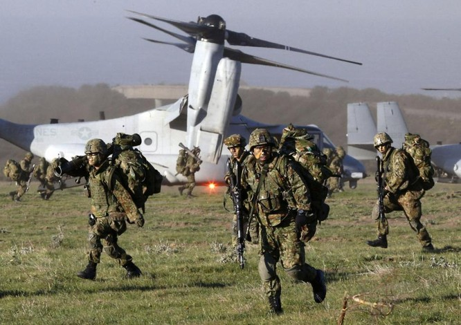 Quân đội Mỹ và Nhật Bản liên tục tập trận đối phó với sự hung hăng của Trung Quốc