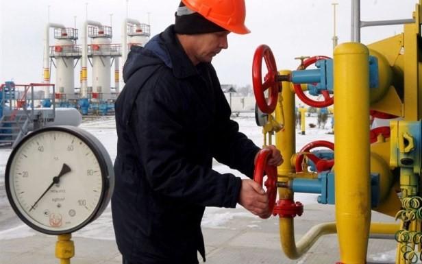 Kinh tế Nga phụ thuộc nặng nề vào công nghiệp năng lượng trong bối cảnh giá dầu mỏ liên tục lao dốc và cấm vận kinh tế khiến tình hình trở nên khó khăn