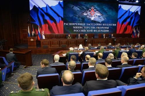 Tổng thống Nga trong cuộc họp với các quan chức quốc phòng hôm nay. Ảnh: Sputnik