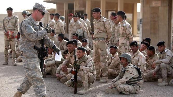Cố vấn Mỹ huấn luyện binh sĩ Iraq