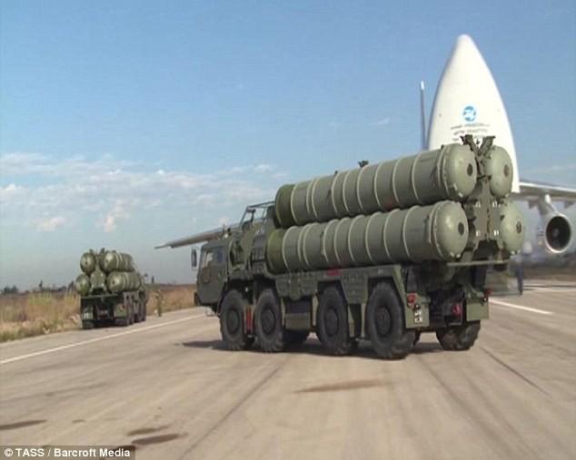 Hệ thống S-400 được Nga triển khai tại căn cứ không quân tại Latakia
