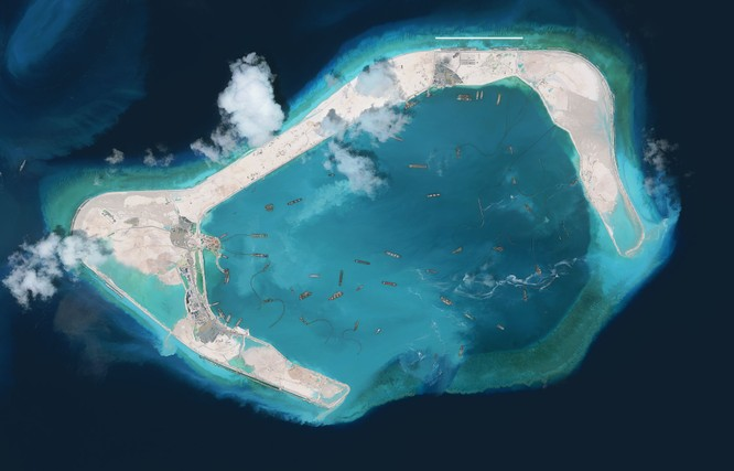 Trung Quốc ồ ạt bồi lấp, xây đảo trái phép ở Biển Đông khiến cả khu vực và dư luận thế giới hết sức lo ngại