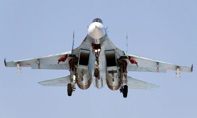 Chiến đấu cơ Nga cất cánh tại sân bay ở Latakia, Syria
