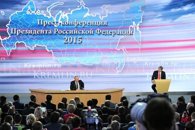 """Putin và những câu trả lời """"đỉnh"""" trong cuộc họp báo tất niên ảnh 2"""