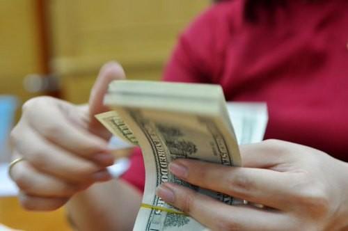 Gửi đôla xót xa khi lãi suất về 0% ảnh 1