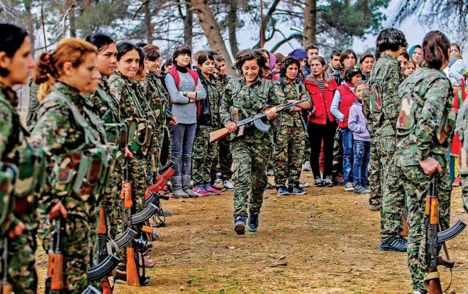 Các nữ chiến binh người Kurd nổi tiếng dũng cảm trong chiến đấu