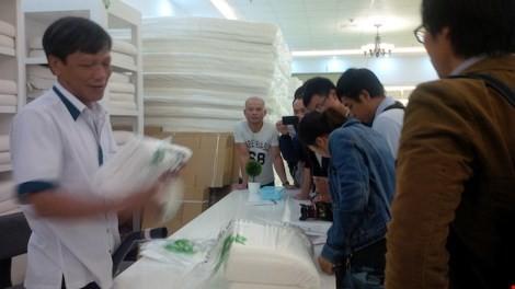 Đà Nẵng: Showroom chỉ bán cho khách Trung Quốc có gì? ảnh 7