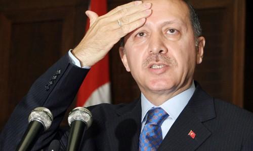 Quá tham vọng, Thổ Nhĩ Kỳ tứ bề thọ địch ảnh 1