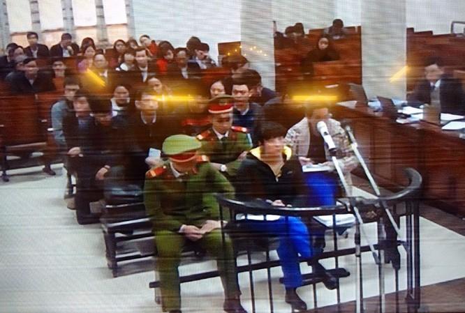 """Nguyên TGĐ Agribank nhận """"lót tay"""" 50.000 USD qua cửa kính ô tô ảnh 1"""