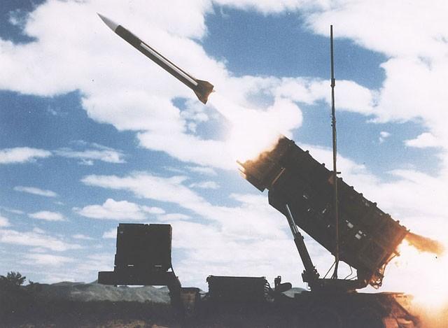 """S-400 Nga """"chọi"""" Patriot Mỹ: Kỳ phùng địch thủ ảnh 1"""