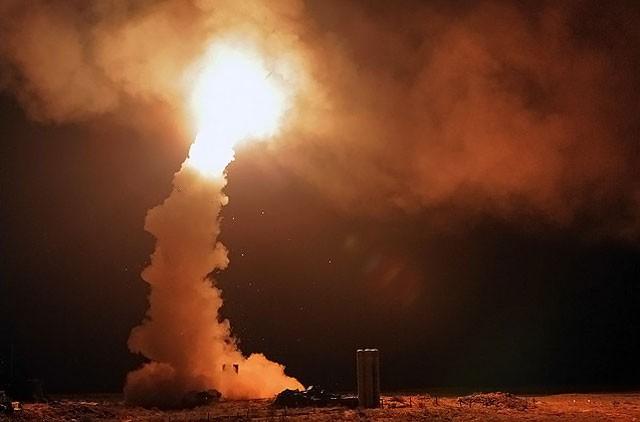"""S-400 Nga """"chọi"""" Patriot Mỹ: Kỳ phùng địch thủ ảnh 3"""