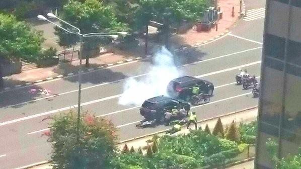 Toàn cảnh loạt vụ phiến quân khủng bố tấn công 7 điểm ở Jakarta ảnh 1