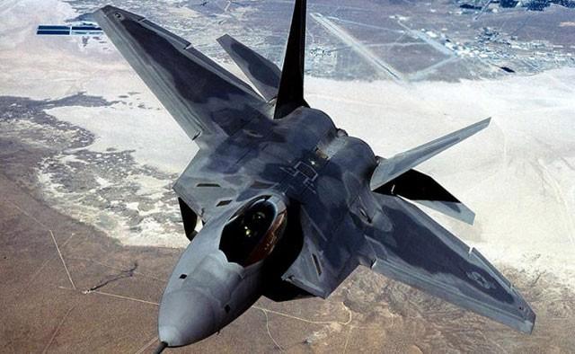 Tiêm kích tàng hình F-22 Raptor