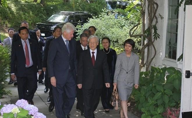 Tổng Bí thư Nguyễn Phú Trọng tới thăm nhà riêng cựu Tổng thống Bill Clinton