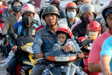 """Ùn tắc """"trên từng cây số"""", dân băng đồng tìm đường về Hà Nội, TPHCM ảnh 17"""