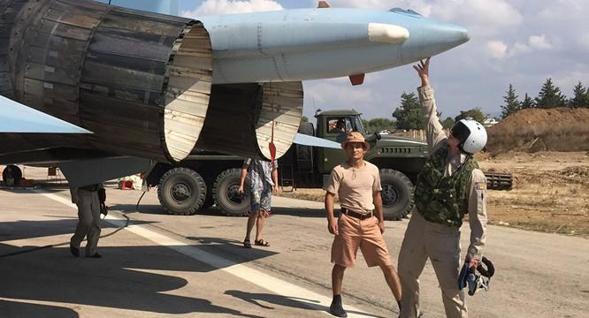 Phi công Nga tham chiến tại Syria trước giờ xuất kích