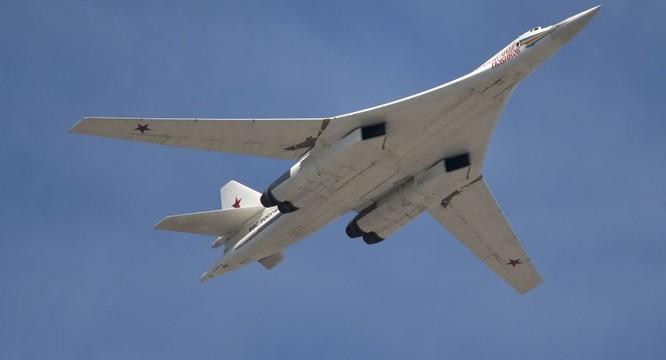 Máy bay ném bom chiến lược tầm xa Tu-160 Blackjack của Nga xung trận tại chiến trường Syria