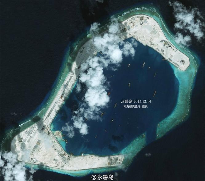 Đá Xu bi tại quần đảo Trường Sa của Việt Nam bị Trung Quốc bồi lấp, xây dựng đường băng và các công trình quân sự