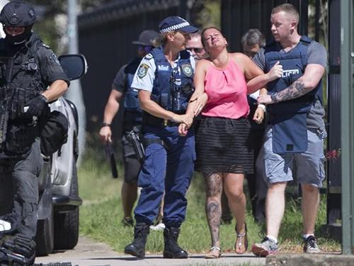 Úc: Nổ súng, bắt cóc con tin ảnh 1