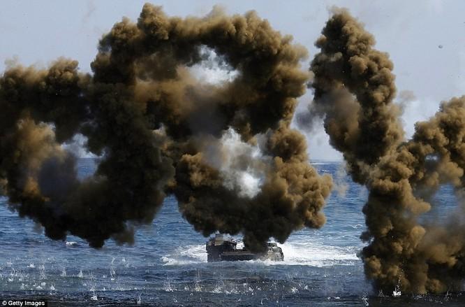 Cận cảnh 317.000 quân Mỹ-Hàn rầm rộ tập trận đổ bộ ảnh 10
