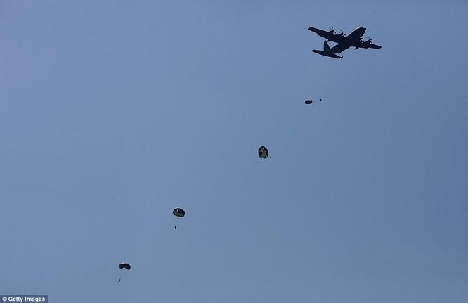 Cận cảnh 317.000 quân Mỹ-Hàn rầm rộ tập trận đổ bộ ảnh 3
