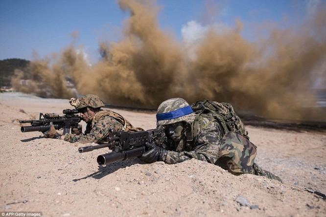 Cận cảnh 317.000 quân Mỹ-Hàn rầm rộ tập trận đổ bộ ảnh 7