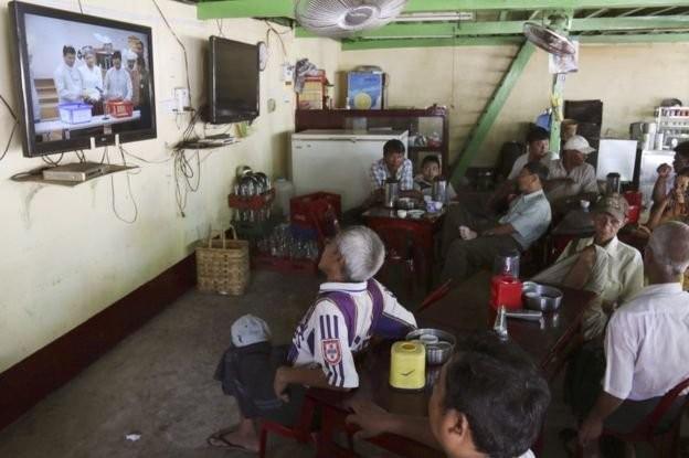 Thực hư chuyện tổng thống Htin Kyaw là tài xế bà Suu Kyi ảnh 1