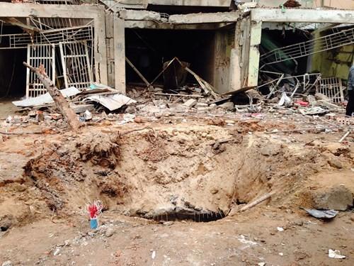 Vụ nổ lớn ở Hà Đông: Tìm thấy thuốc nổ chế tạo bom mìn ảnh 1