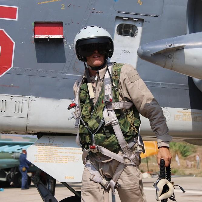 Phi công và các binh sĩ Nga tham gia chiến dịch quân sự tại Syria