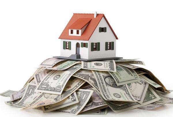 Nhà đất đổ dốc ngay khi ngân hàng siết vốn? ảnh 2