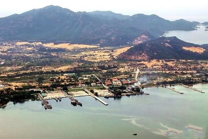 Quân cảng Cam Ranh đang thu hút sự chú ý lớn của quốc tế trong bối cảnh tình hình Biển Đông căng thẳng