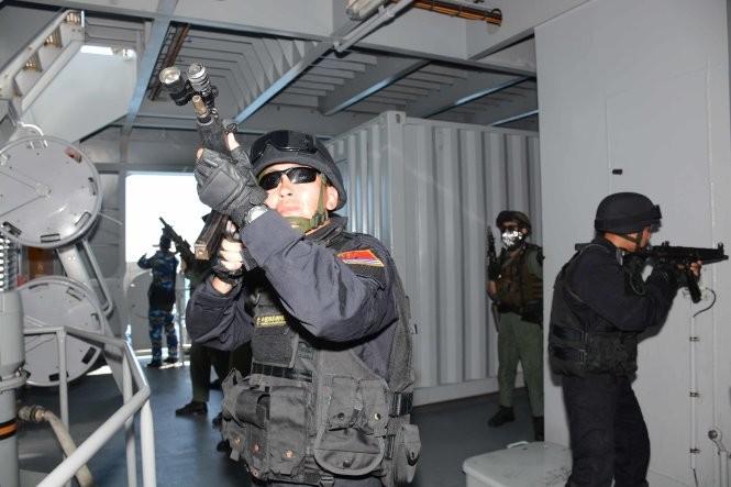 Hải quân, đặc công Việt Nam hoàn thành xuất sắc diễn tập chống khủng bố ảnh 14