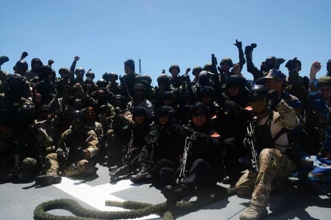 Hải quân, đặc công Việt Nam hoàn thành xuất sắc diễn tập chống khủng bố ảnh 2