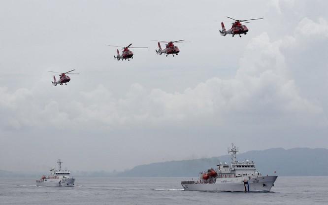 Chiến hạm Trung Quốc tập trận cùng dàn trực thăng trên biển