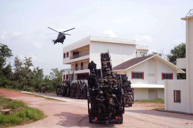 Hải quân, đặc công Việt Nam hoàn thành xuất sắc diễn tập chống khủng bố ảnh 11