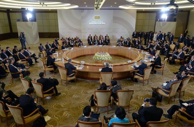 Thủ tướng Nguyễn Xuân Phúc đề cập Biển Đông tại Sochi ảnh 1