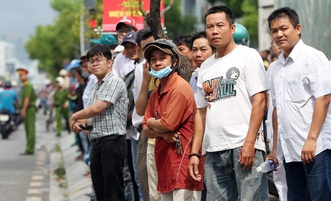 Người Sài Gòn ra đường đón Tổng thống Obama ảnh 5