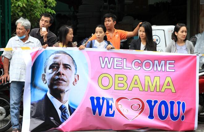 Người Sài Gòn ra đường đón Tổng thống Obama ảnh 11