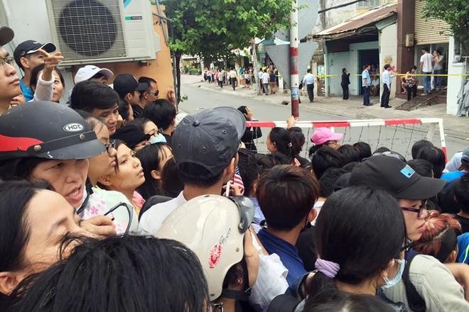 Người Sài Gòn ra đường đón Tổng thống Obama ảnh 13