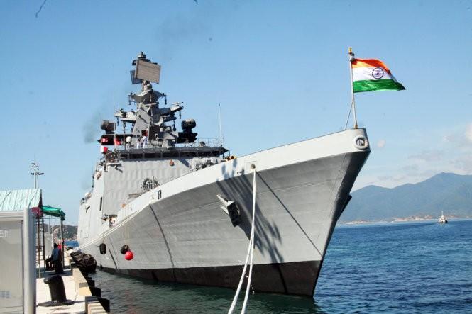 Chiến hạm Ấn Độ lần đầu vào vịnh Cam Ranh ảnh 2
