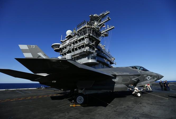 Chiến đấu cơ tàng hình F-35 phiên bản hải quân thử nghiệm trên tàu sân bay