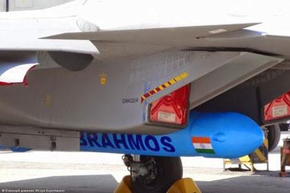 Tên lửa siêu thanh BrahMos lắp trên chiến đấu cơ Su-30MKI